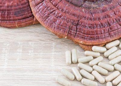 ling-zhi-mushroom-or-ganoderma-lucidum-capsule-4-CY8D9UF